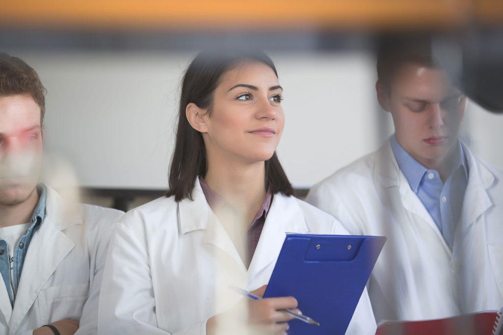 Médecine : un examen d'entrée, mais pas de remédiation