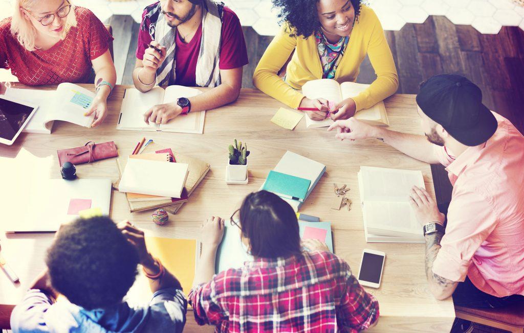 """Découvrez les actes de notre congrès """"Entrepreneuriat-Diversité""""."""