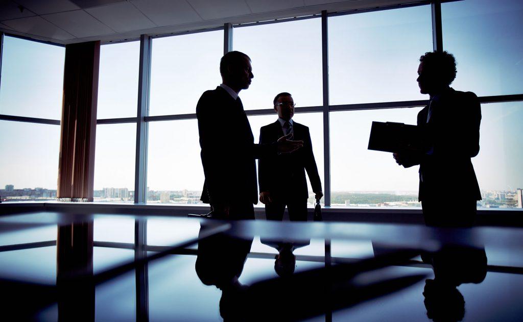 Patrons d'entreprises publiques et cabinets ministériels : le MR veut la transparence !