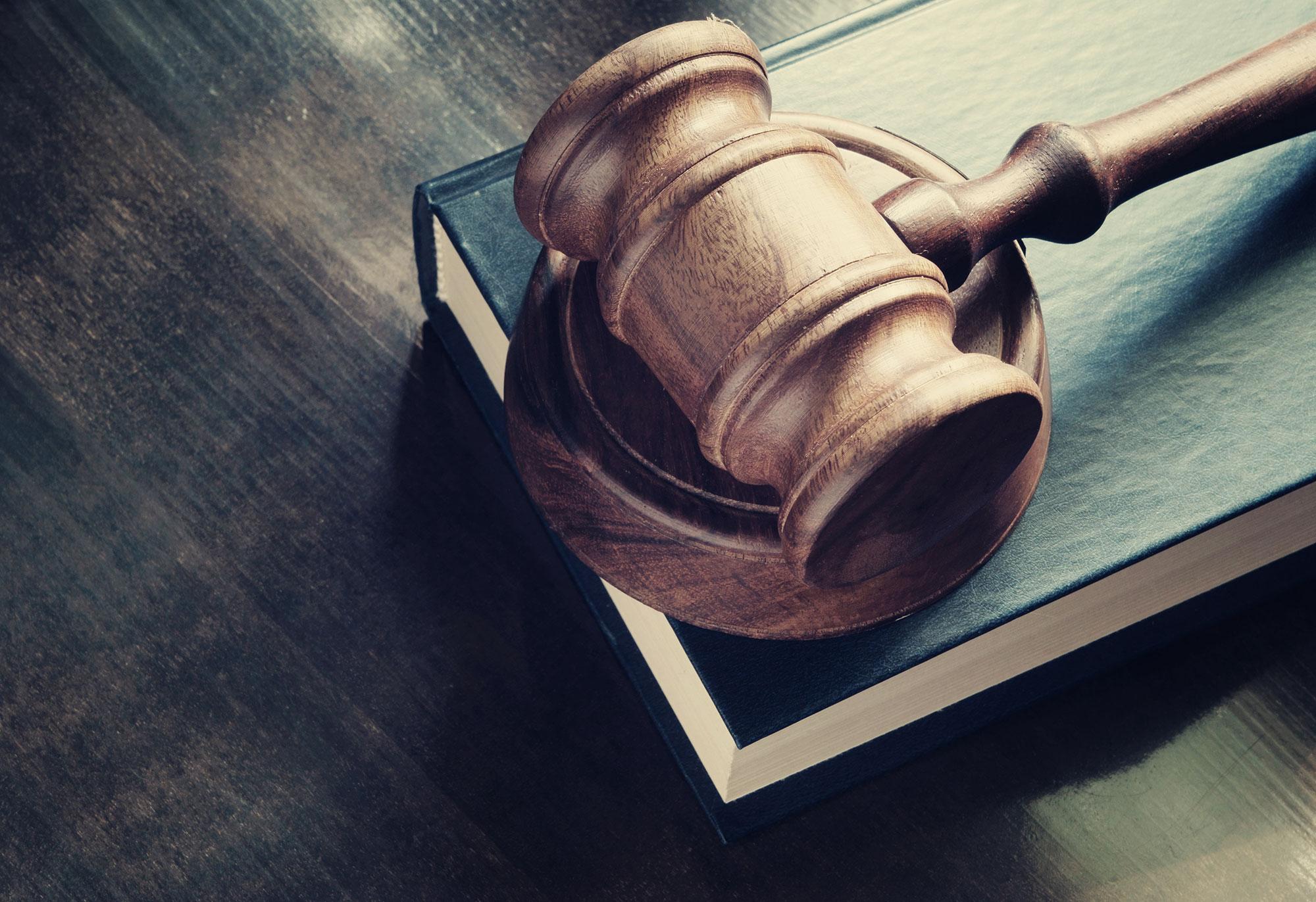 Régionalisation de la justice: Luc Hennart s'exprime-t-il maintenant au nom du PS ?