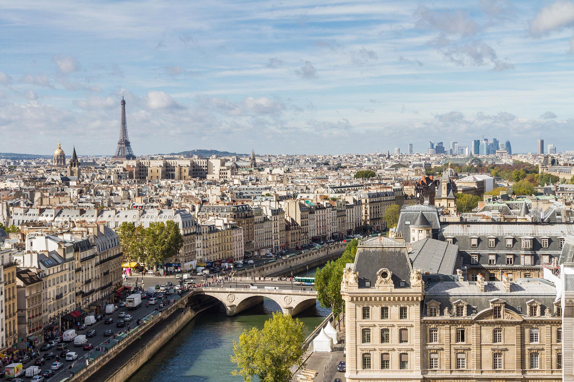 Meeting d'Emmanuel Macron- Une délégation du MR à Paris