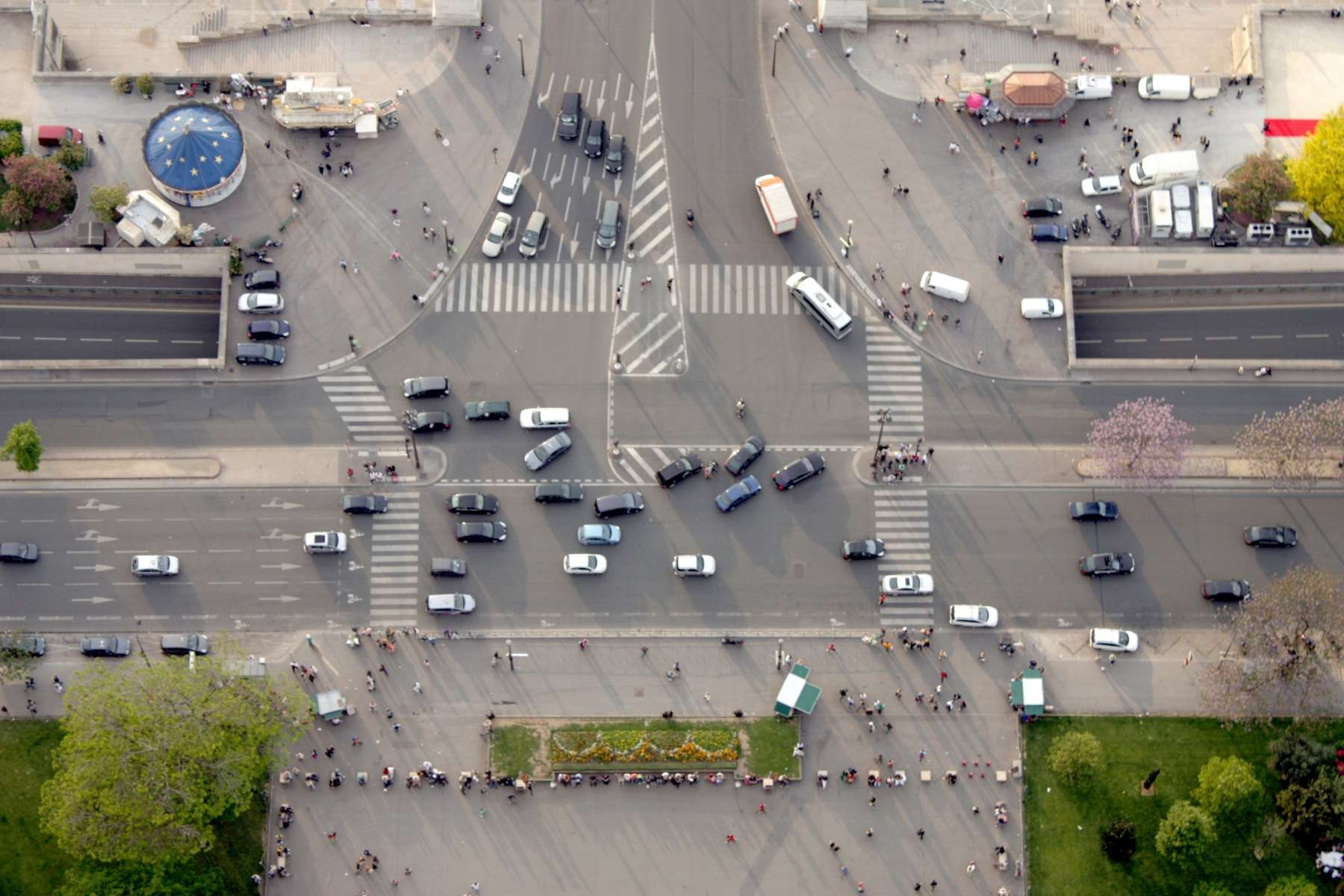 La taxe kilométrique pour les voitures : nous sommes contre !