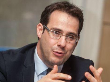 David Clarinval : « Les propos de Pascal Delwit versent dans le grotesque »