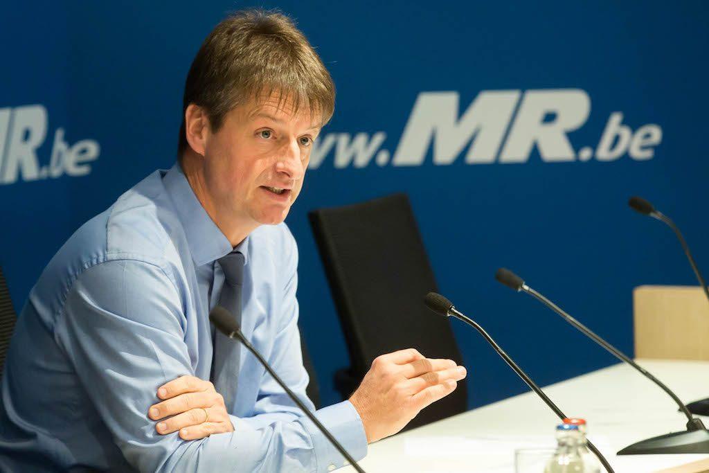 Olivier Chastel demande à Armand De Decker de démissionner de tous ses mandats électifs