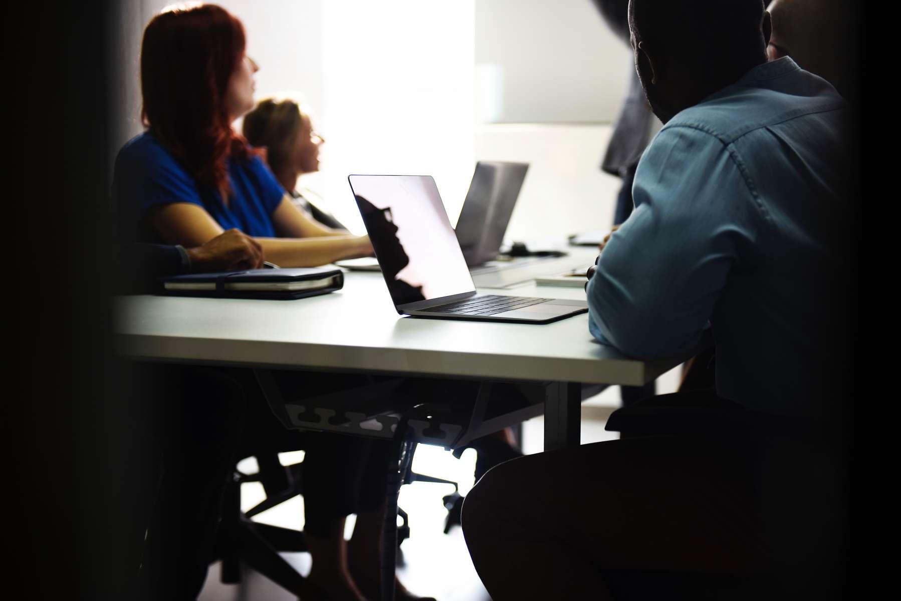"""""""Shaping the future of work"""" (étude Agoria) Réaction « L'étude conforte mon ambition du plein emploi à l'horizon 2025 »"""