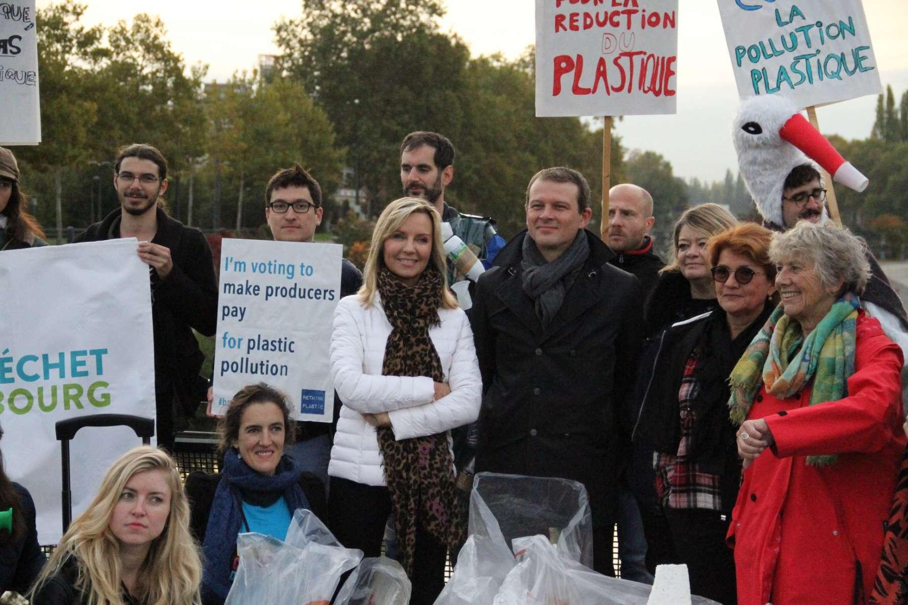 Lutte contre le plastique à usage unique : le rapport de Frédérique Ries reçoit un soutien massif