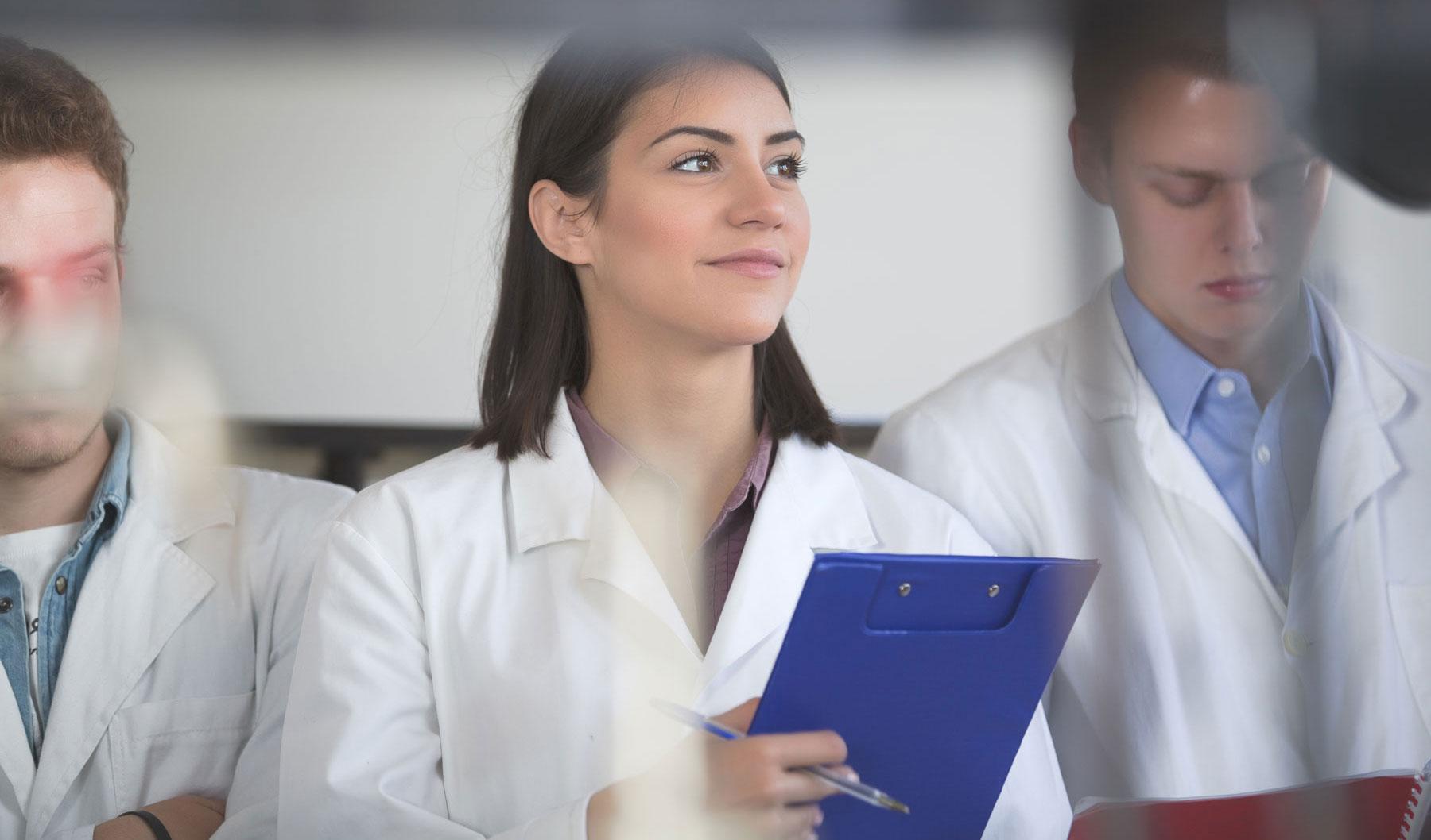 Les stagiaires infirmiers, médicaux et paramédicaux plus que jamais bienvenus dans les hôpitaux et les maisons de repos