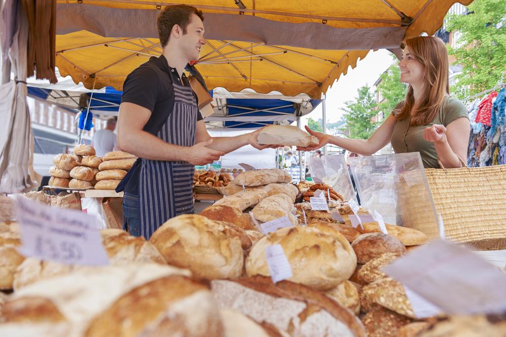 Les marchés en plein air, coiffeurs, soins esthétiques et parcs animaliers rouvriront bien le 18 mai
