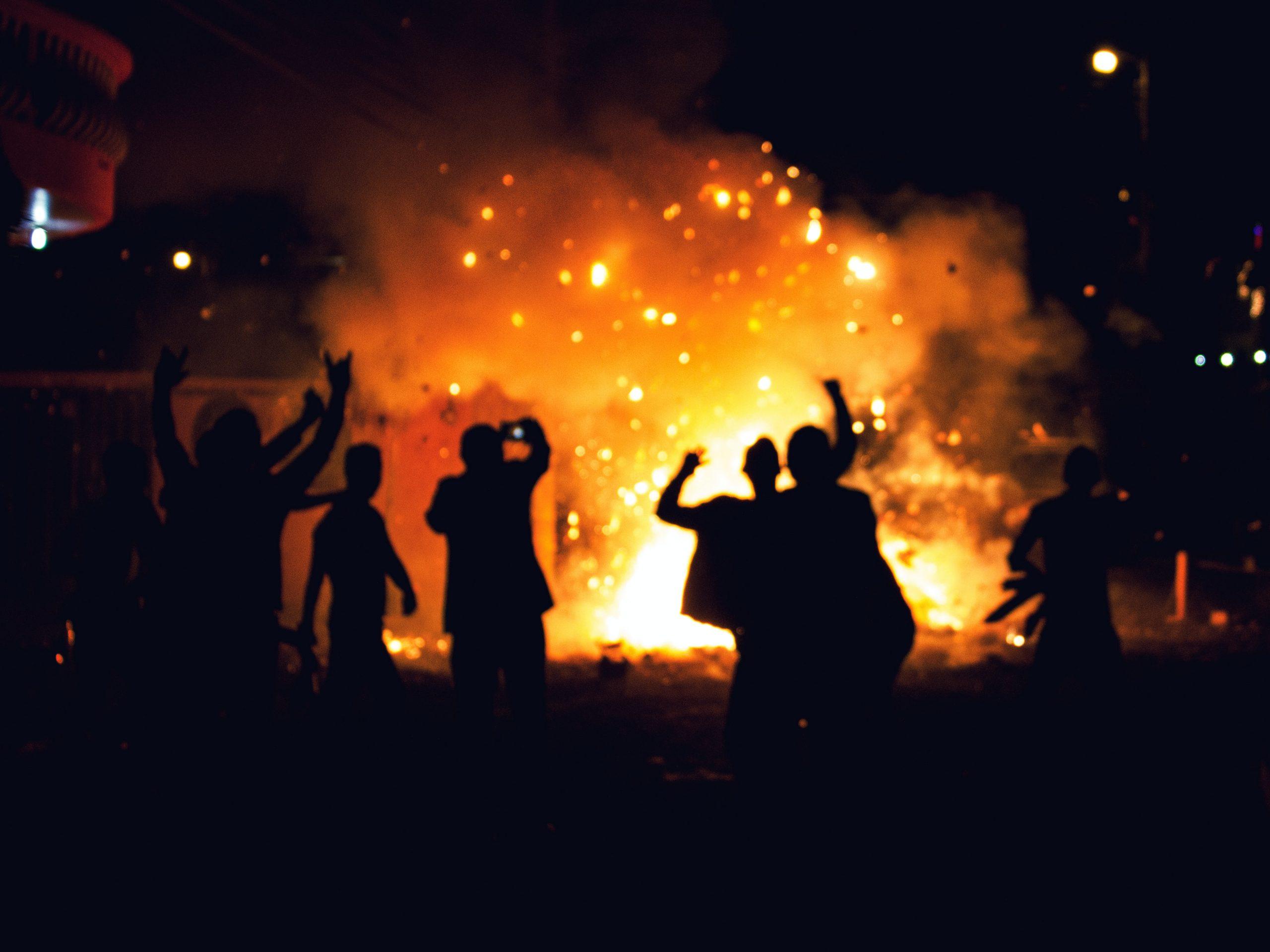 Emeutes à Bruxelles : Reprendre le contrôle des quartiers, soutenir les forces de l'ordre