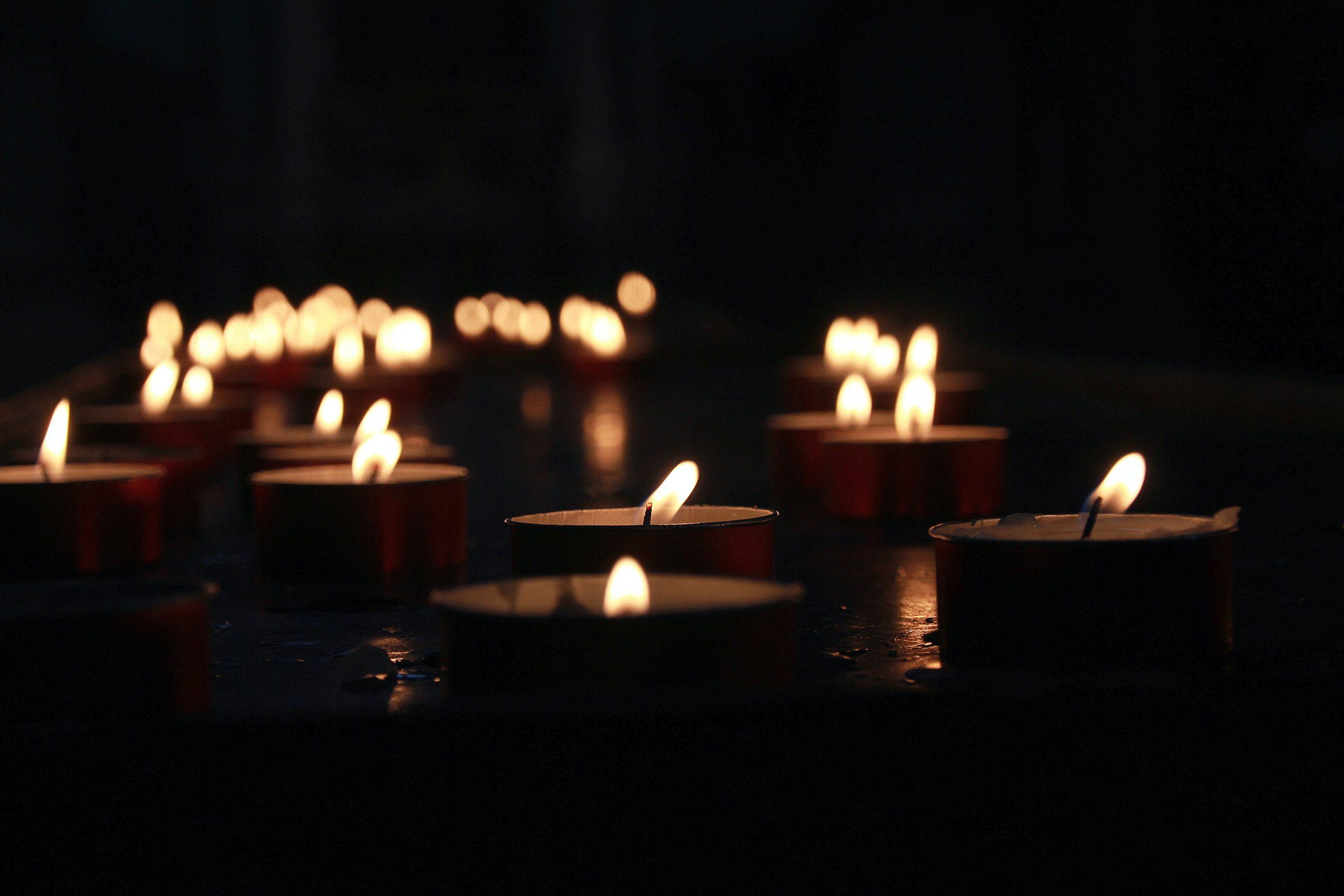 Journée internationale de commémoration en mémoire des victimes de l'Holocauste : se souvenir et continuer à agir
