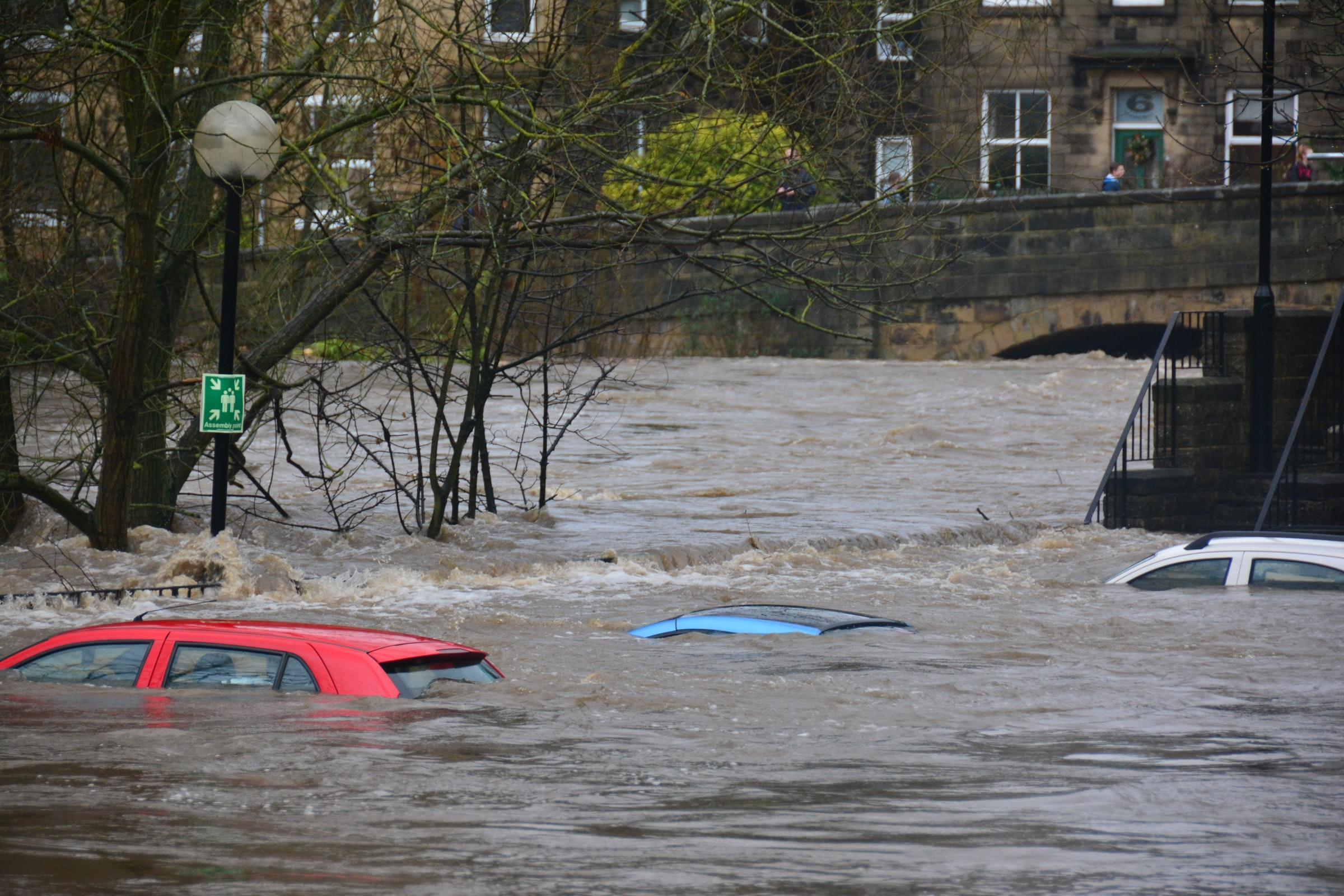 Inondations en Wallonie : répertoire des aides et contacts utiles